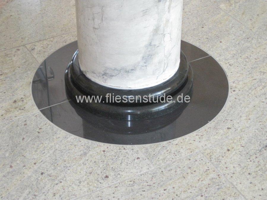 Saeulenfuss-aus-Stein