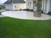 Ellipse im Vorgarten aus Betonwerkstein